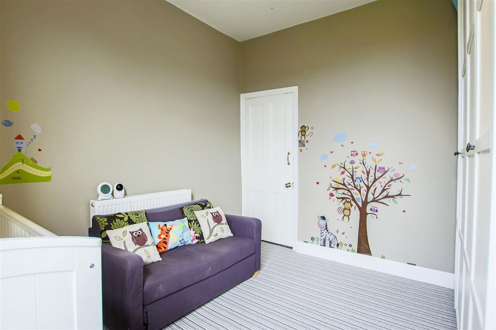 4 Bedroom Semi-detached House For Sale - 27.jpg